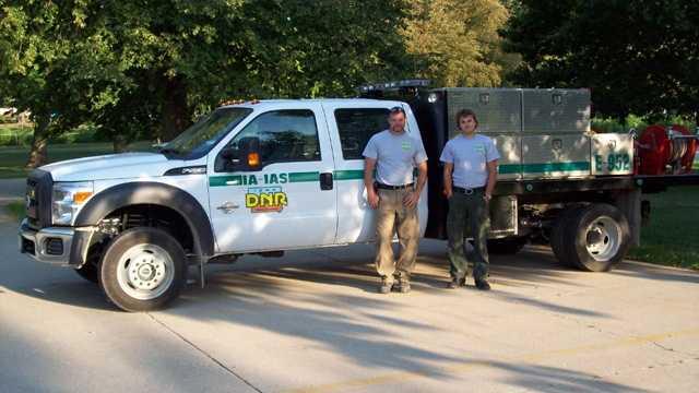 Iowans fight colorado fires