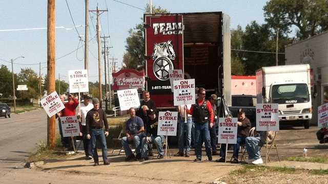 AE strike workers