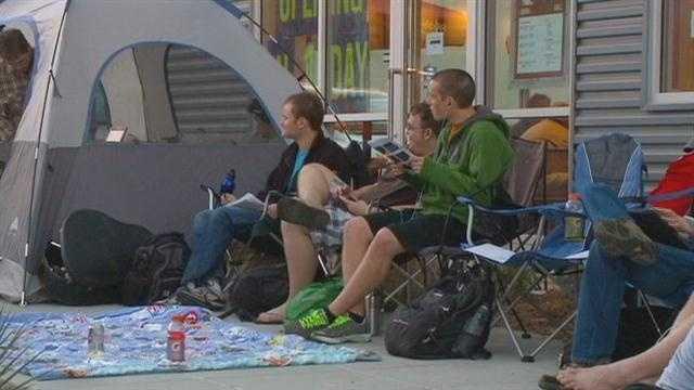 Dozens camp out for free burritos