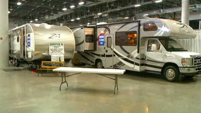 What do boat, RV sales say about Iowa economy?