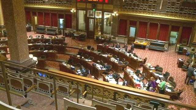 Amendment to give money back to taxpayers fails