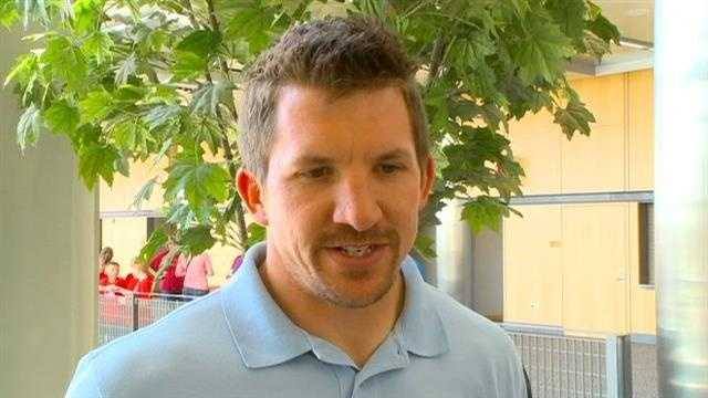 Dallas Clark signs with Baltimore
