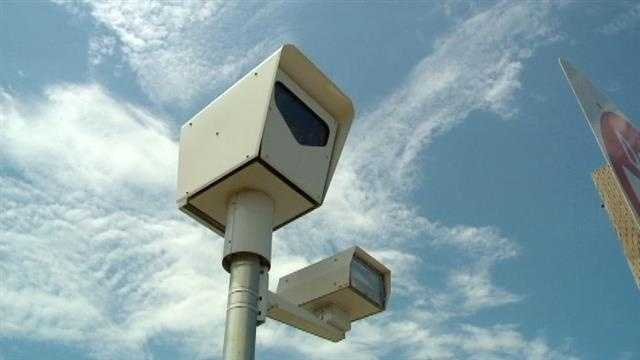 img-Tickets temporarily stop from some red light cameras