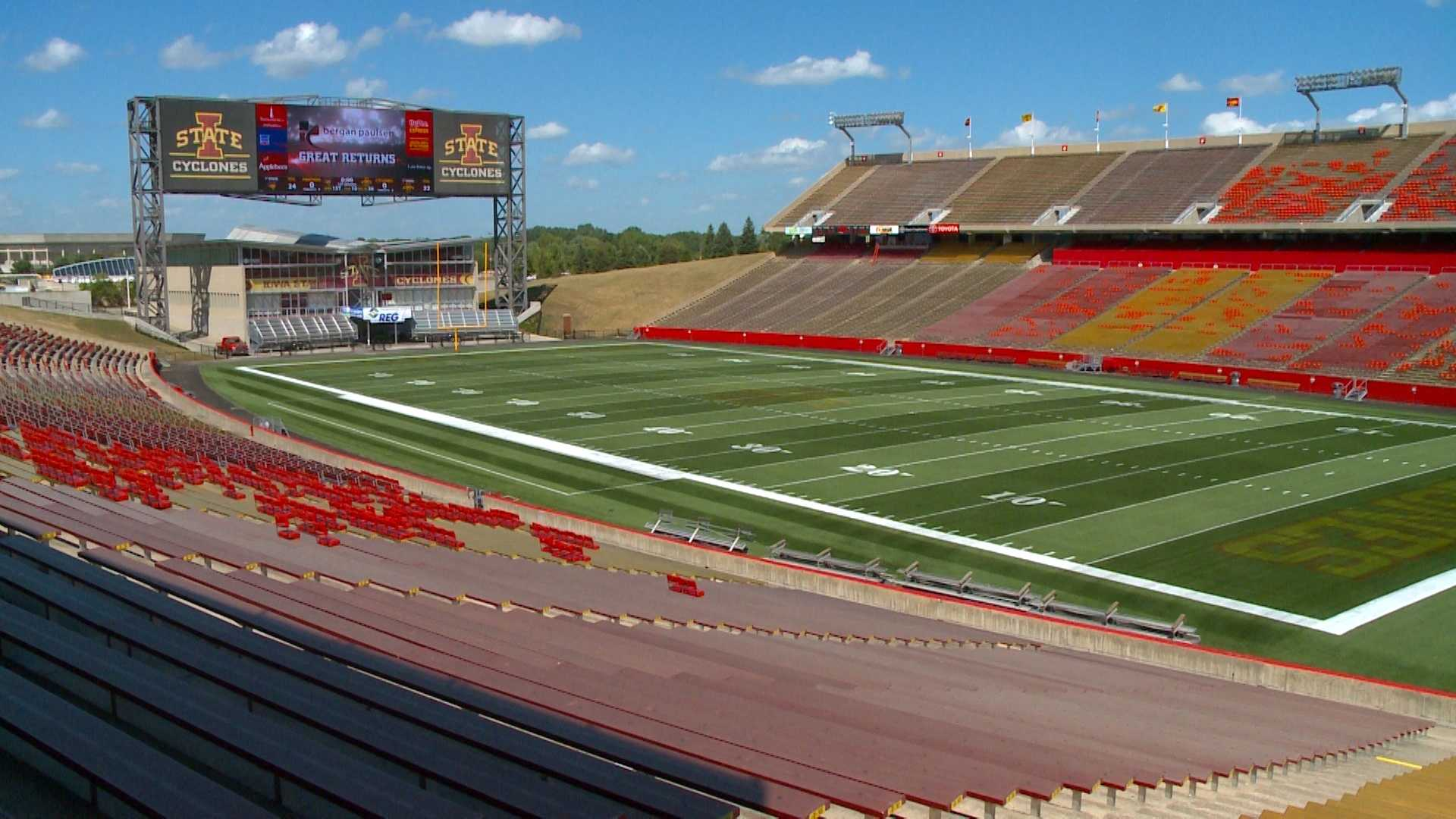Iowa State football fans prepare for hot game