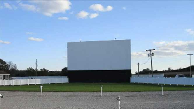 Valle Drive-In Theater in Newton