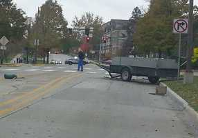 Eyewitnesses report the truck lost this trailer during part of the chase.