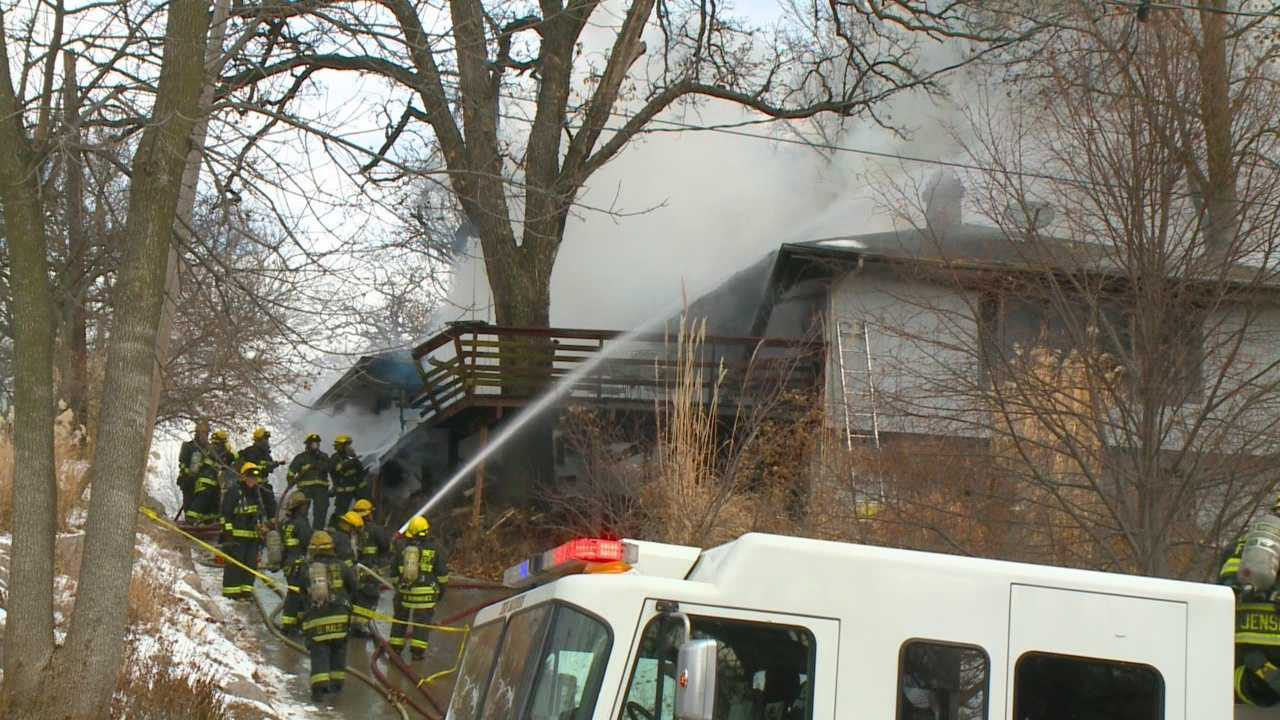 img-Firefighters battle 16th fire since Sunday
