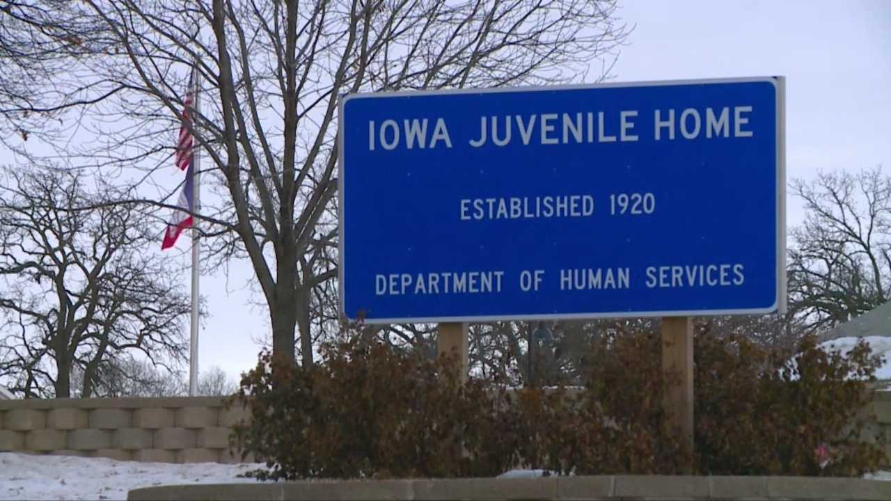 Iowa Juvenile Home closes early