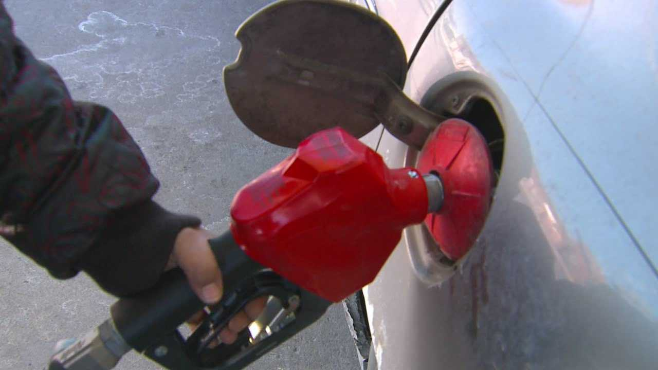 Iowa lawmaker proposes gas tax increase