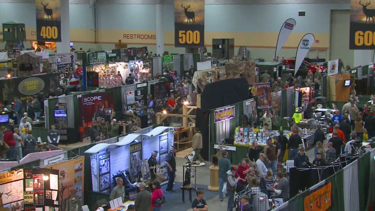 Around 20,000 deer hunting enthusiasts were in Des Moines during the weekend for the Iowa Deer Classic.