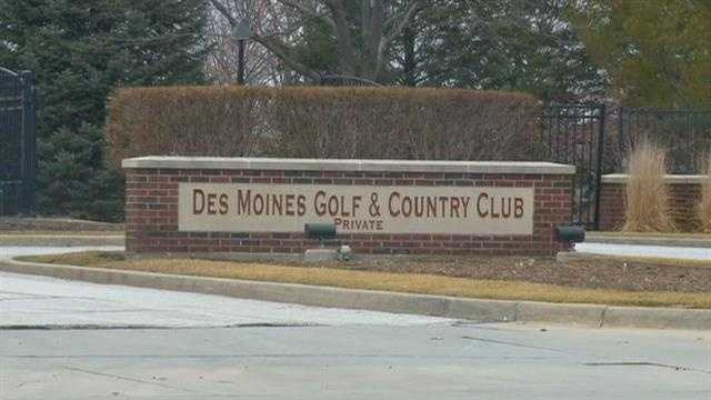des moines golf country club sign