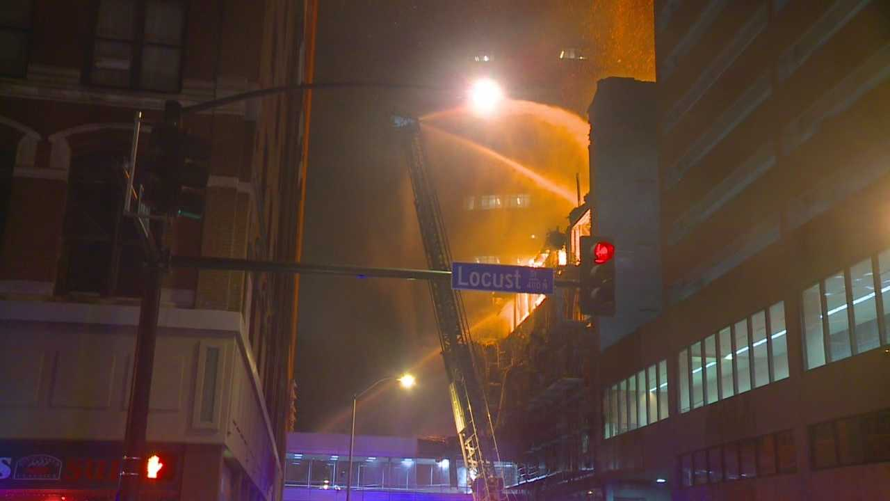 Firefighters forced to flee Younkers Building blaze
