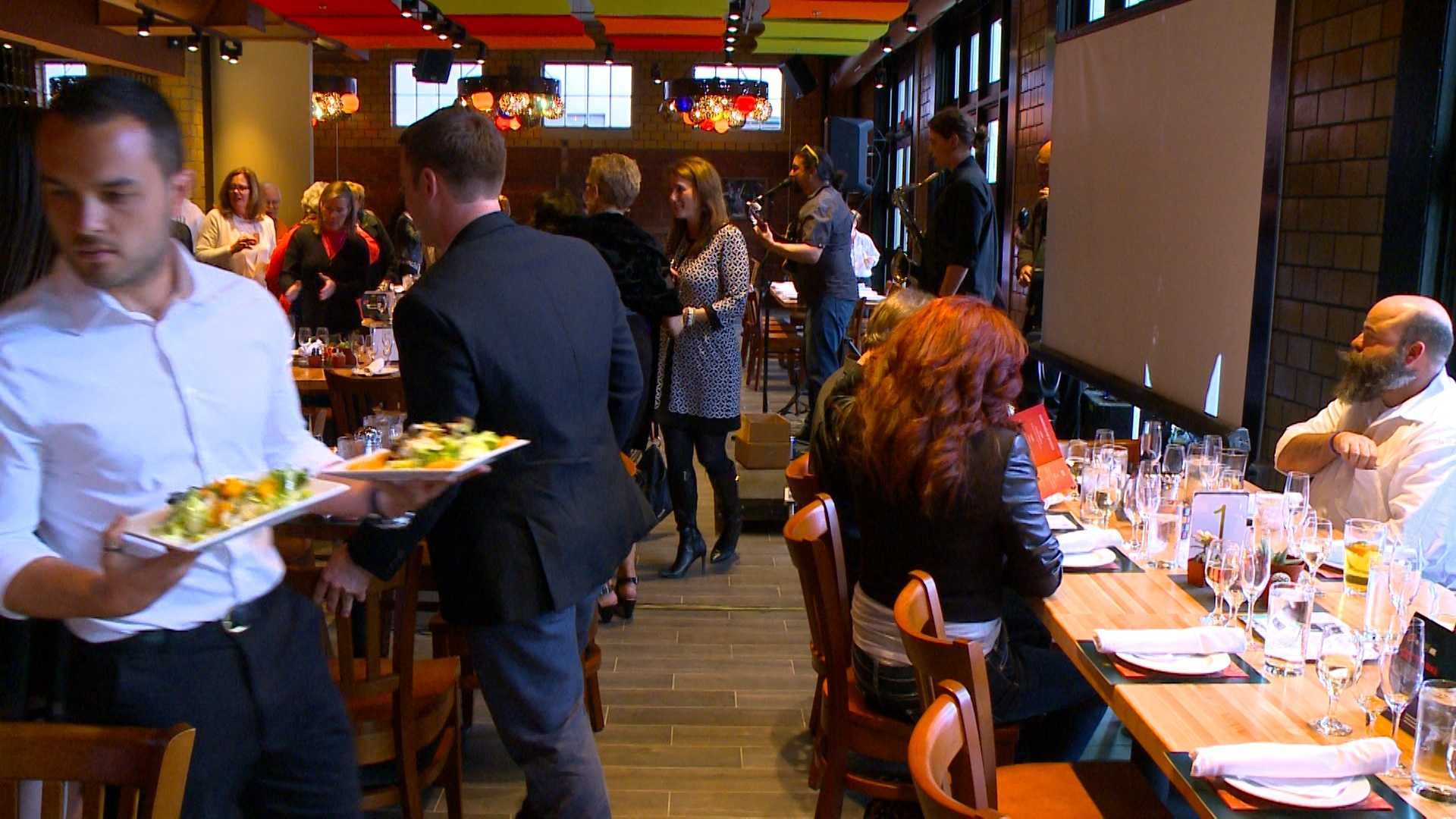 Fundraiser attendees get first look at newly renovated Des Moines Social Club