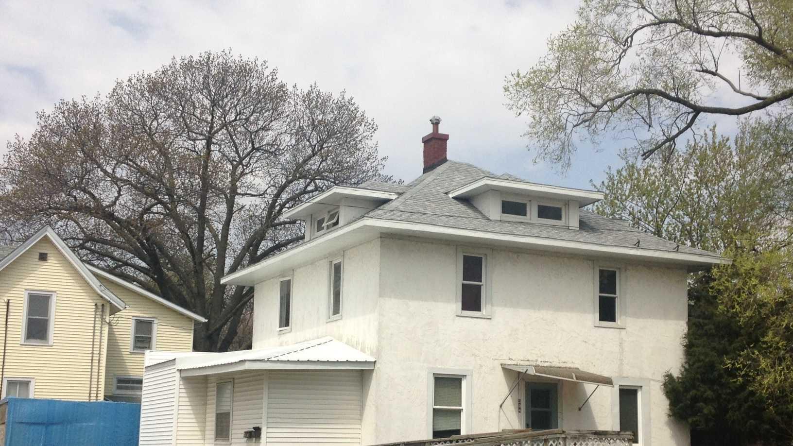 stabbing house marshalltown