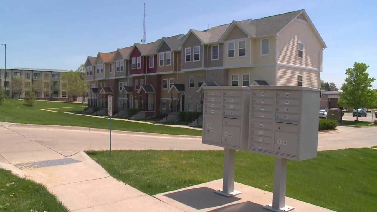 Postal service proposes ending door-to-door delivery