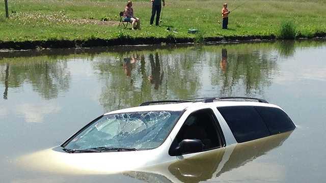 Crash into pond at Water Works Park