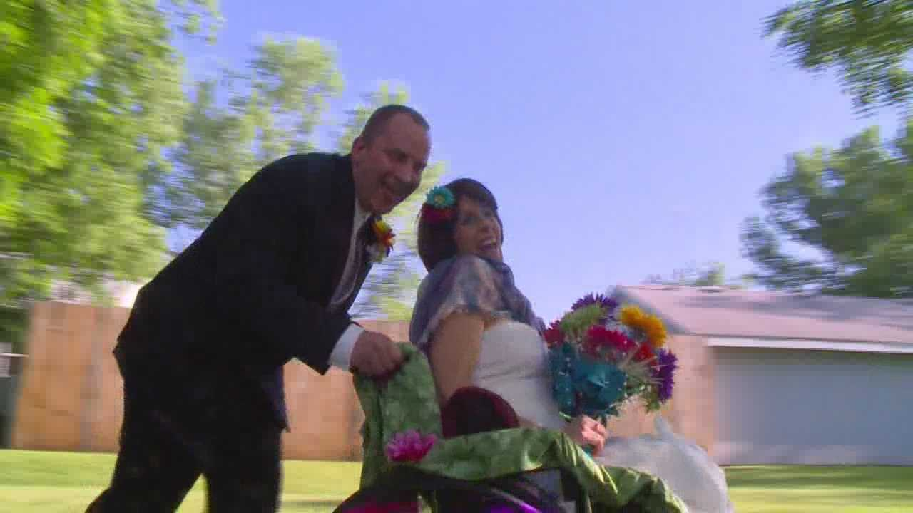 A dying Central Iowa woman was able to complete her last wish tonight ... get married.