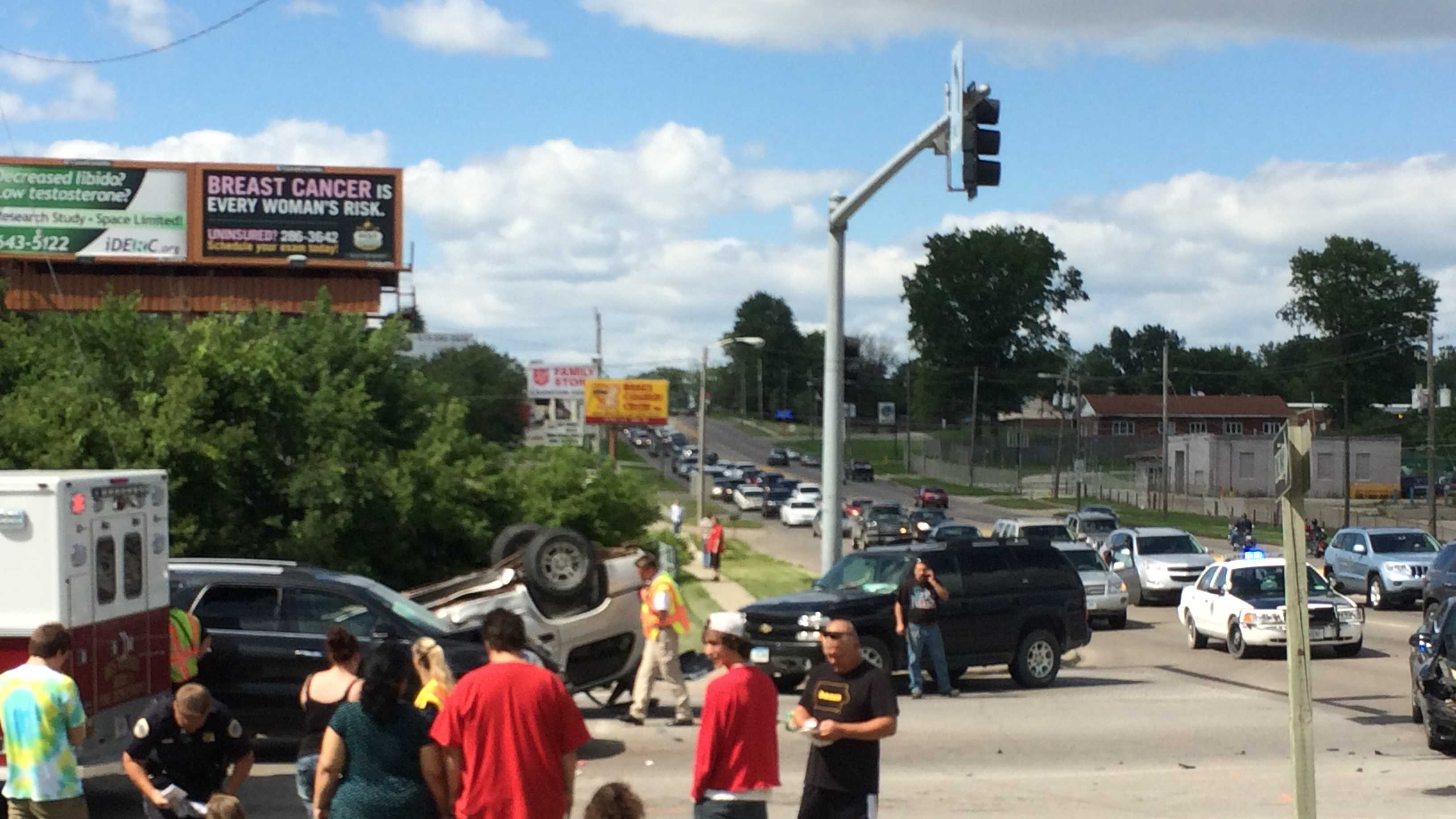 Crash on Southeast 14th in Des Moines