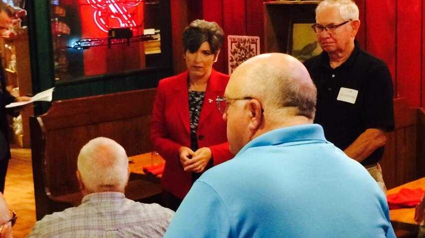Joni Ernst meets with veterans