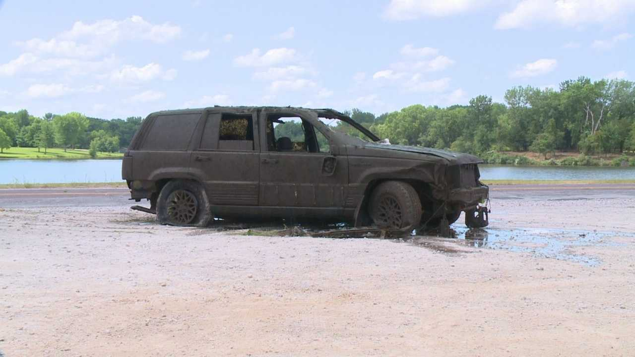 Car found in bottom of Easter Lake