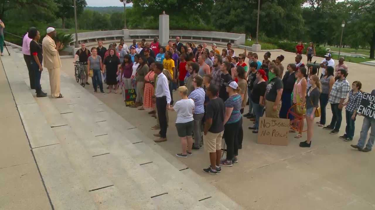 Iowans show support for Mike Brown