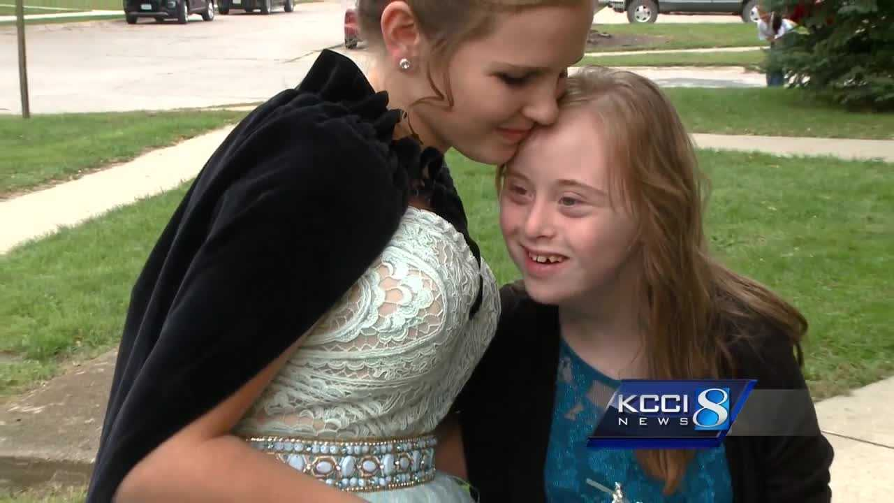 Homecoming queen shares crown with special needs friend