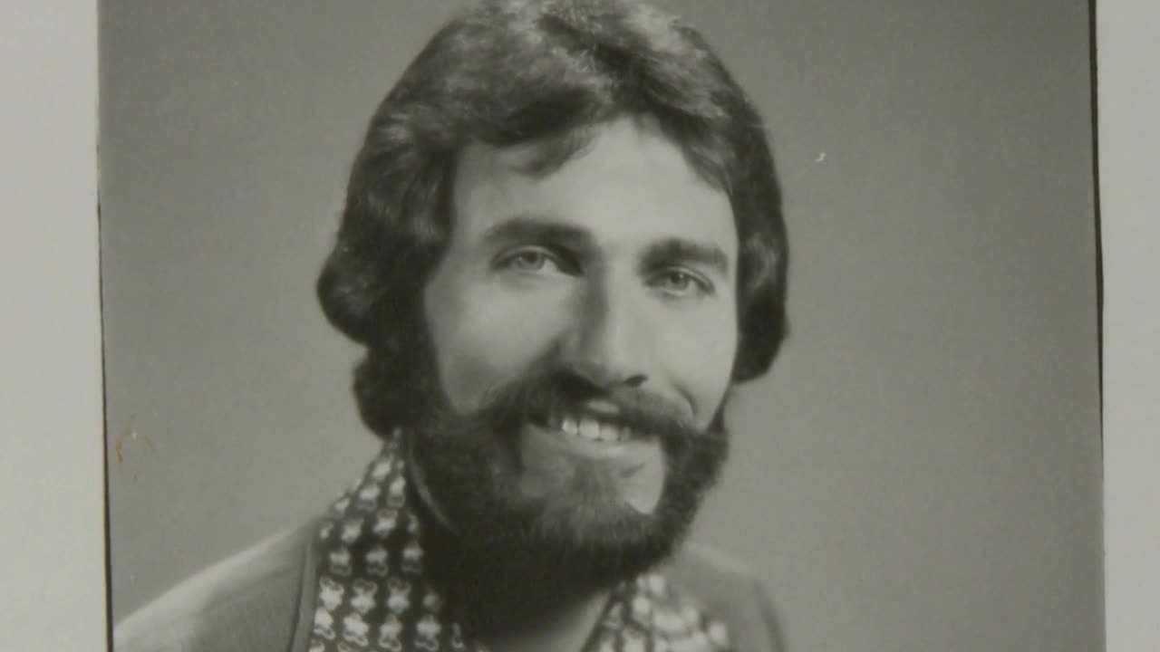 Iowa storyteller retires after illustrious 48-year career
