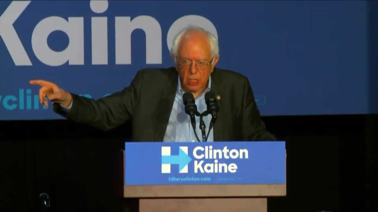 RAW: Bernie Sanders campaigns for Clinton in Des Moines