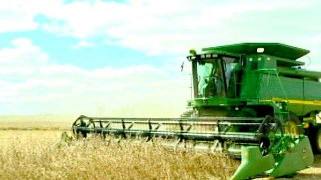 Harvest combine farmer iowa fall - 25272819