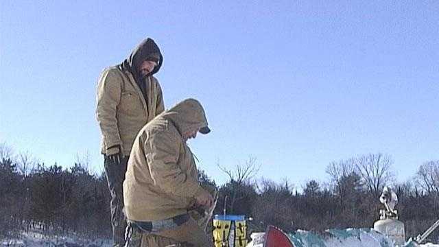 Ice fishing - 15135908