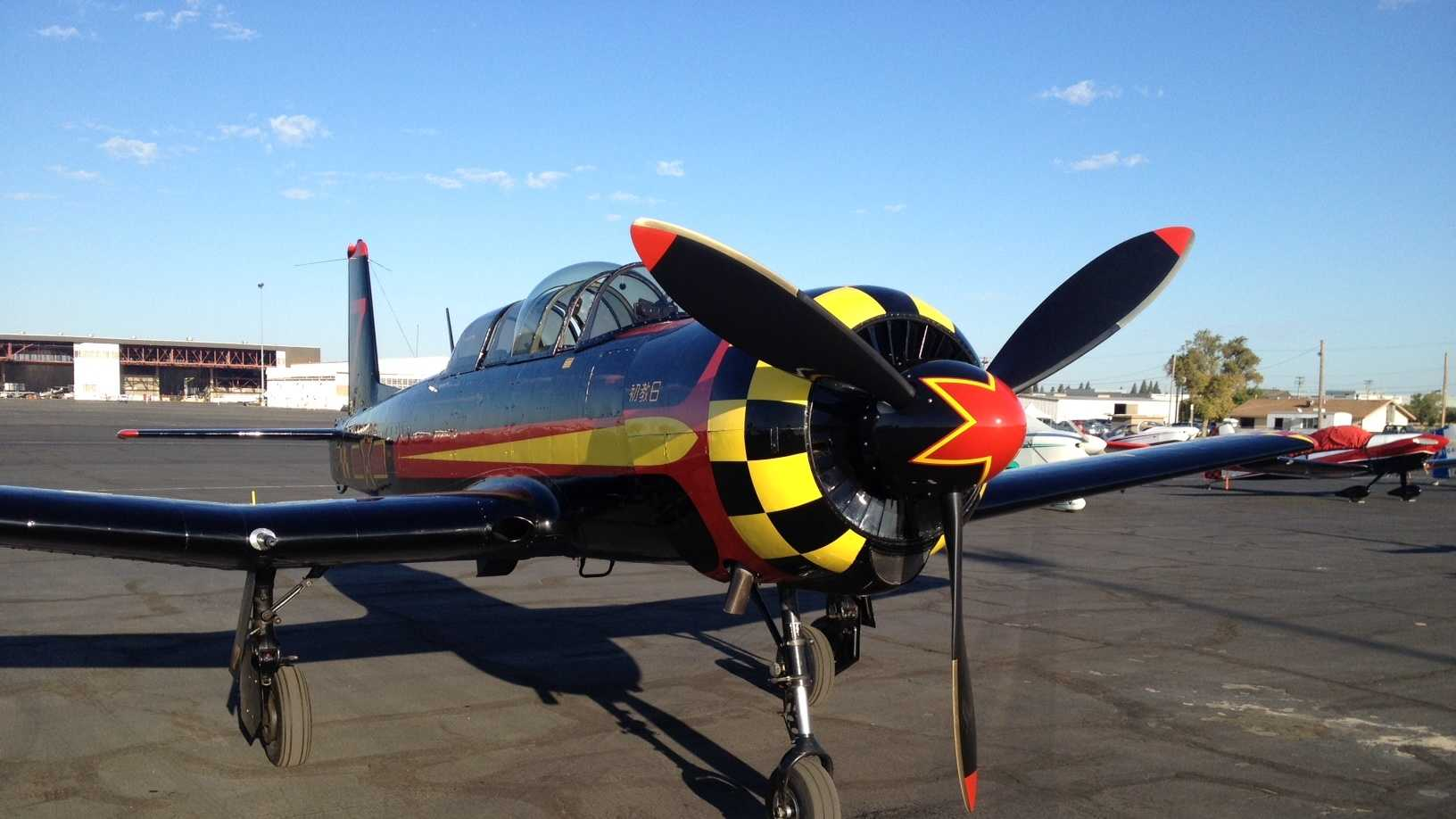 SomeThunderbirdpilots took a break from preparing for the airshow and spoke to students.