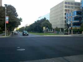 Another ideal viewing location is on Capitol Mall, where there's plenty of room to stand. However, some of the tall buildings might partly block north-south views.