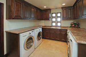 This estate has this laundry room.