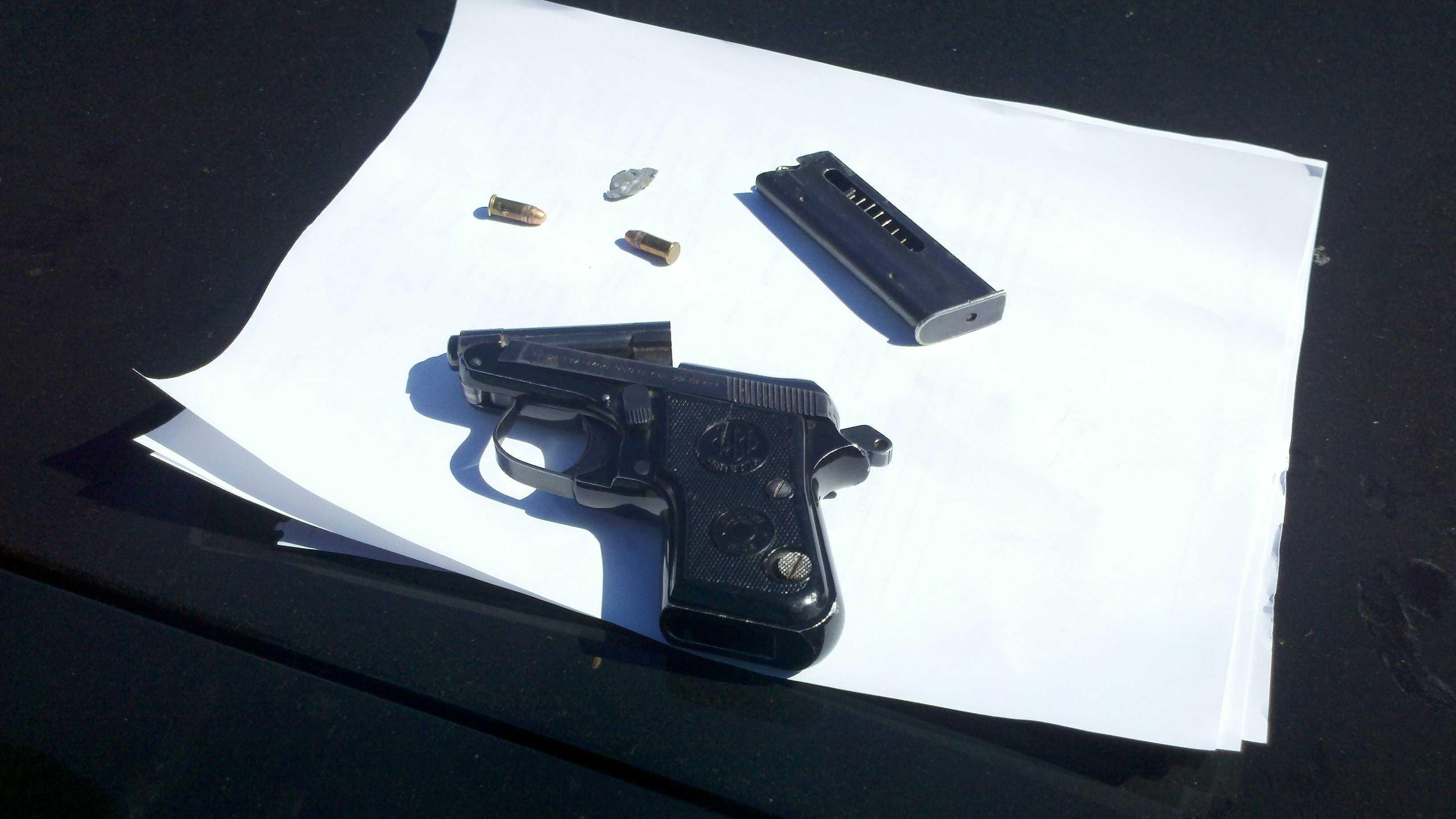 Gun to school in Stockton