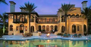 Looking to ring in 2013 in luxury? Travel website TripAdvisor.com found five vacation rentals in party cities across the country where revelers can celebrate 2013 in style.