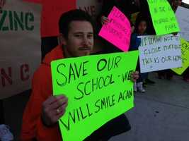 Fruit Ridge Elementary School parents, teachers and students protest the school's possible closure. (Feb. 15, 2013)
