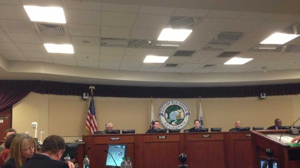Inside the Elk Grove City Council meeting (March 13, 2013)