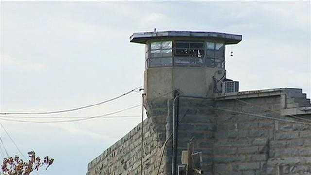 prisons 040313.jpg