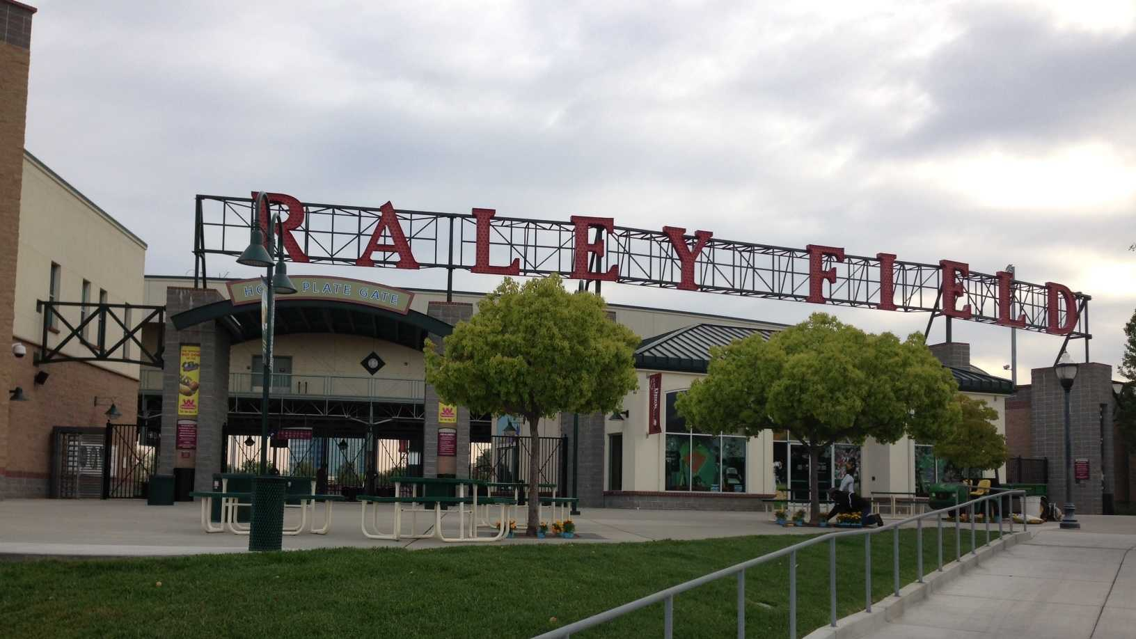 The Sacramento River Cats kicked-off the 2013 season with a new field, new prices and new food offerings. Click through the slideshow for a look at the changes, and photos from the team's home opener.