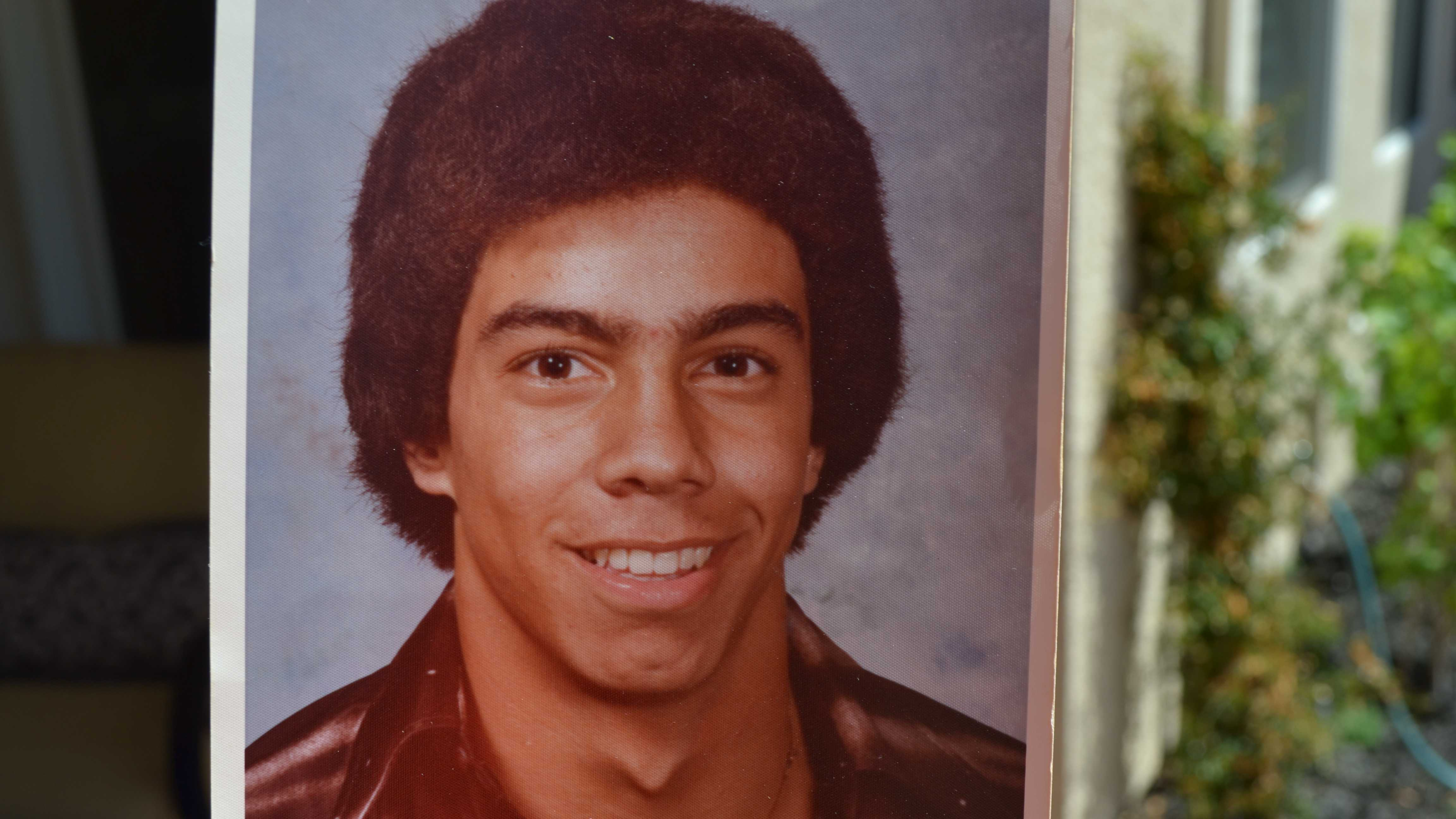 15.) Wow. Just wow. That's a 1981 Hawaiian fro deluxe! Note the unibrow.