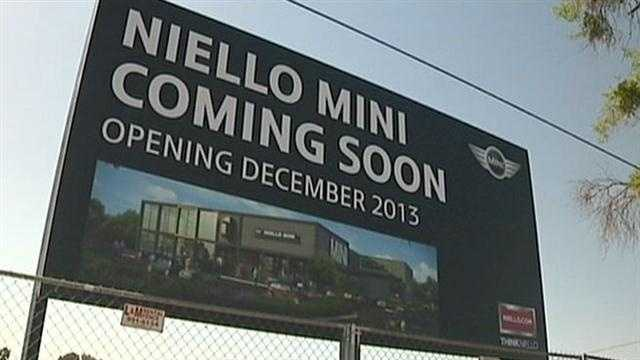 Sacramento residents around Auburn Boulevard hope the addition of a new Niello mini-dealership with help further efforts to clean up the neighborhood.