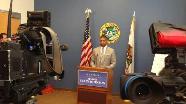 MayorKJweeklybriefing.jpg