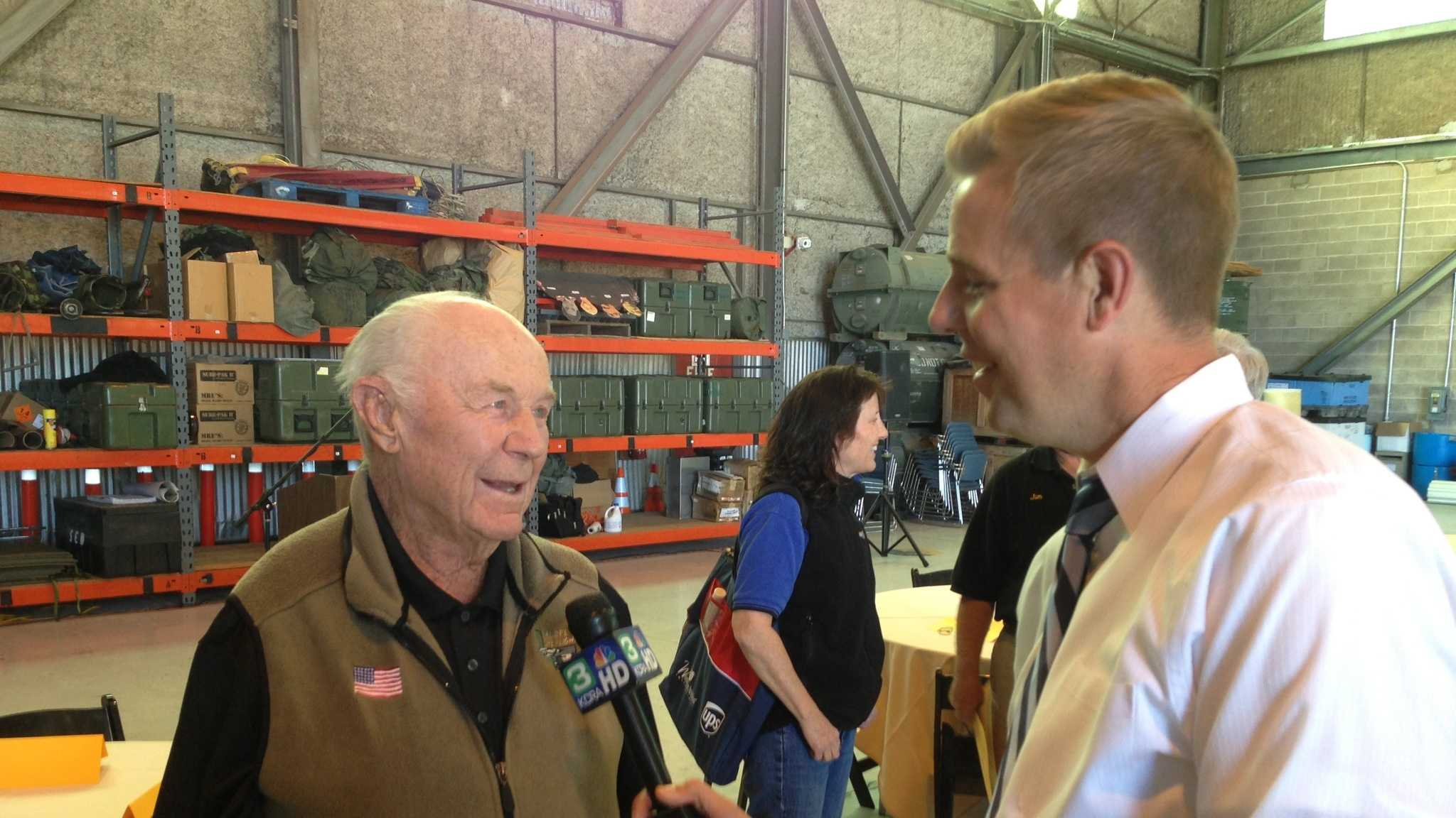 Chuck Yeager with KCRA 3 reporter Richard Sharp (May 22, 2013).