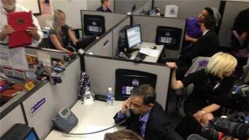Members of the new Sacramento Kings' ownership group took calls from potential season ticket buyers on Thursday. (May 23, 2013)