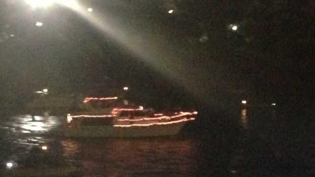 boat parade 1.JPG