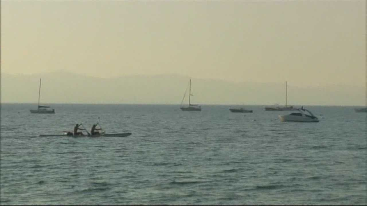 img-Tahoe businesses impacted by smoke from nearby wildfire 10P H
