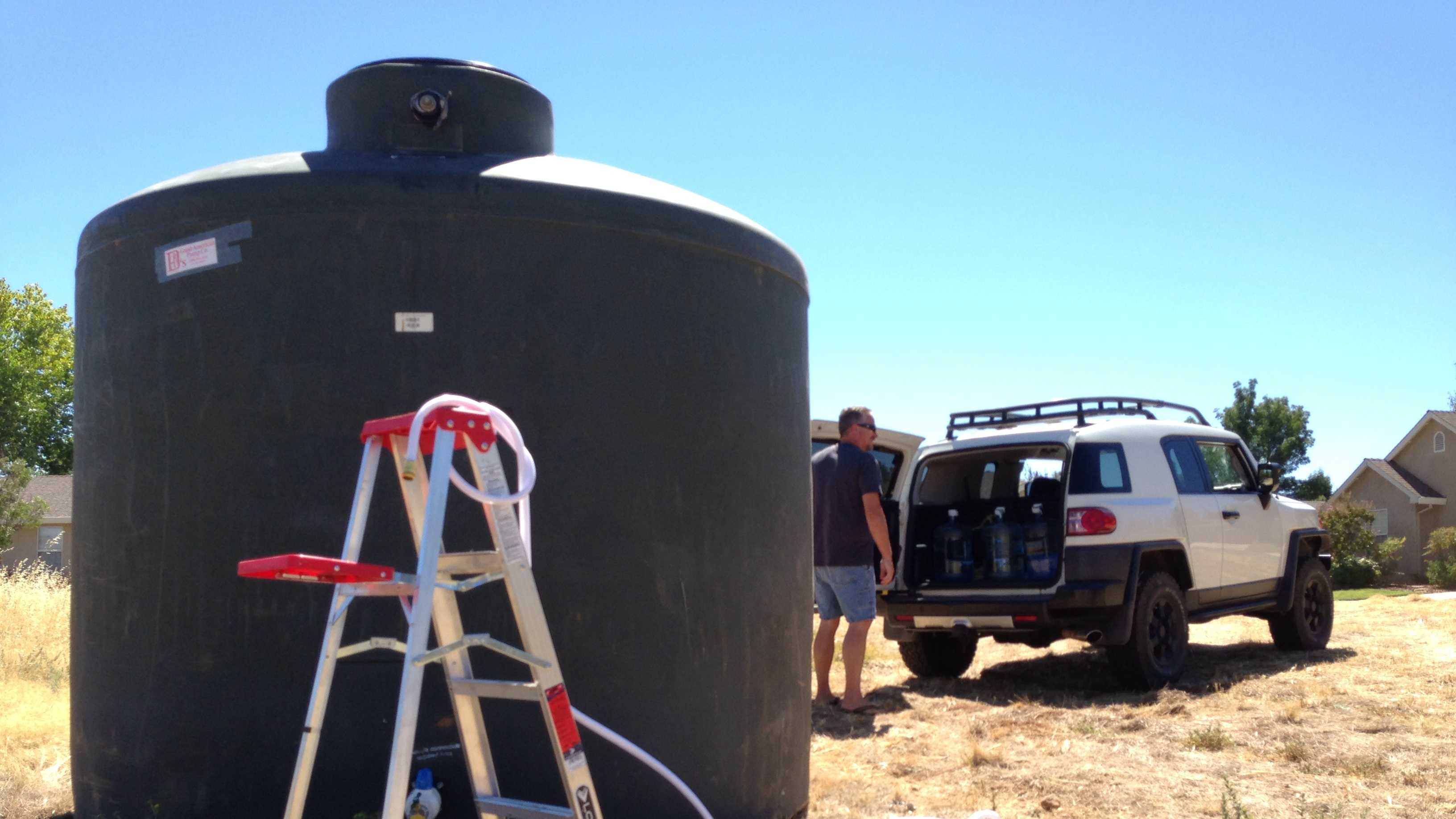 Yuba County officials have delivered a temporary water tank to the residents of Gold Village.