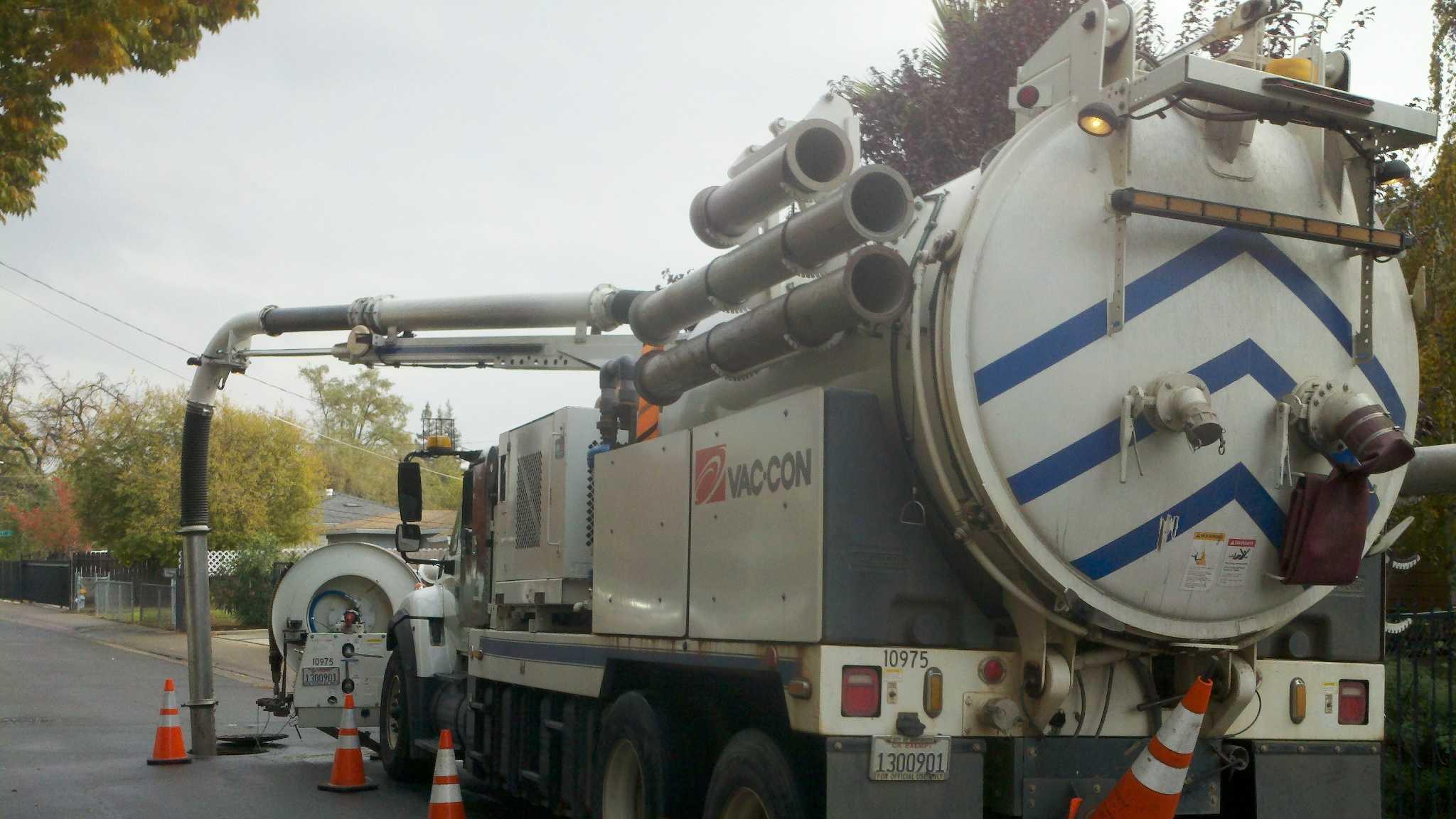 Sewer truck.jpg