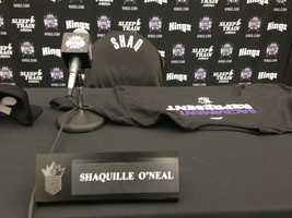 The Sacramento Kings formally introduced Shaquille O'Neal to the ownership group. (Sept. 24, 2013)