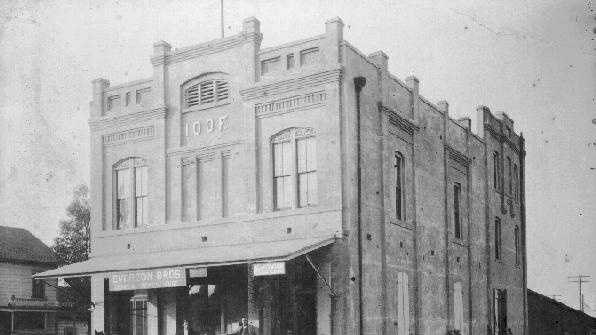 28 Everson Store IOOF 1893 then.jpg